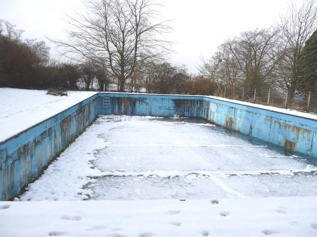 The winter pool live cambridge applicants fight to the death at girton for Swimming pool applewood swords